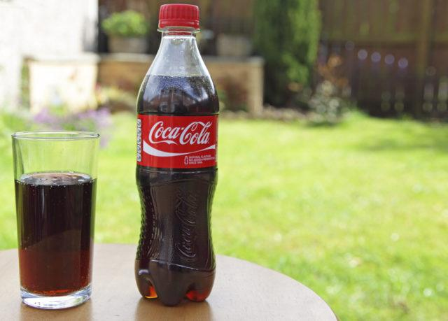 9 things you didn t know coca cola could do. Black Bedroom Furniture Sets. Home Design Ideas
