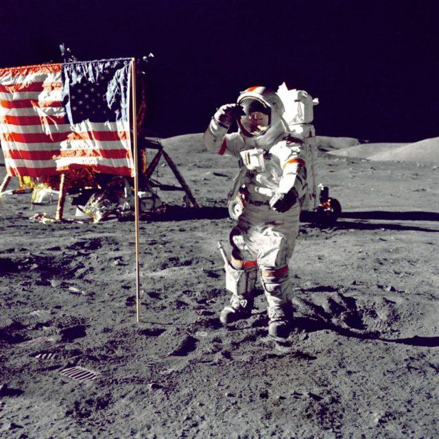conspiracy-neil-armstrong-on-the-moon-in-1969